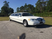 2000 Lincoln Town Car Executive Limousine Sedan